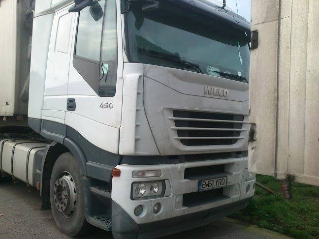 camioane-romanesti-abandonate-in-italia-2