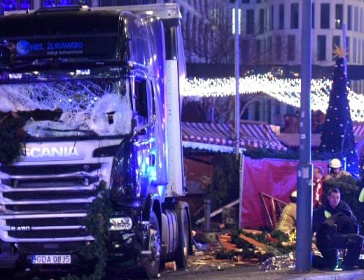 berlin-atac-camion-scania-craciun-targ-ariel-zurawski