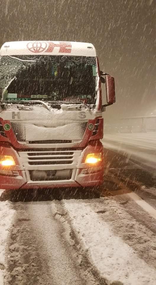 iarna brennero italia camion